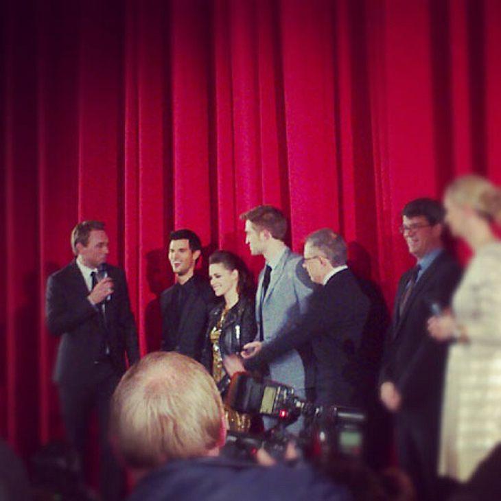 """""""Breaking Dawn 2""""-Premiere in BerlinIhr könnt Euch bestimmt vorstellen, dass das Gekreische groß war. Meist geschriener Satz: """"Robert, I love you!"""""""
