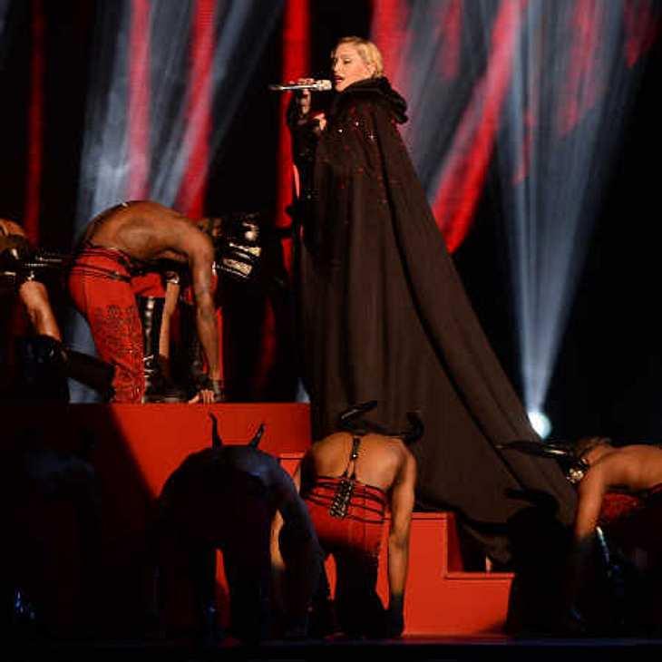 Madonna: Stinksauer wegen Treppensturz!