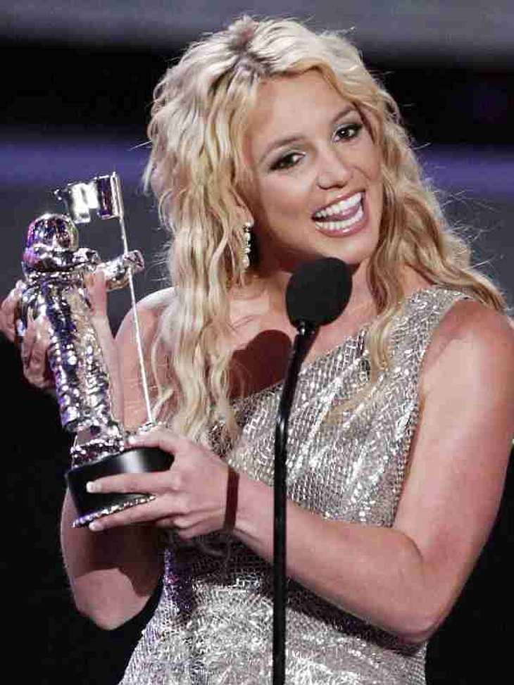Best Of ... Britney Spears... und noch ein MTV Award für Britney Spears.