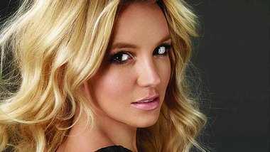 Britney Spears schenkt ihrem Freund ein 45.000 Dollar-Motorrad