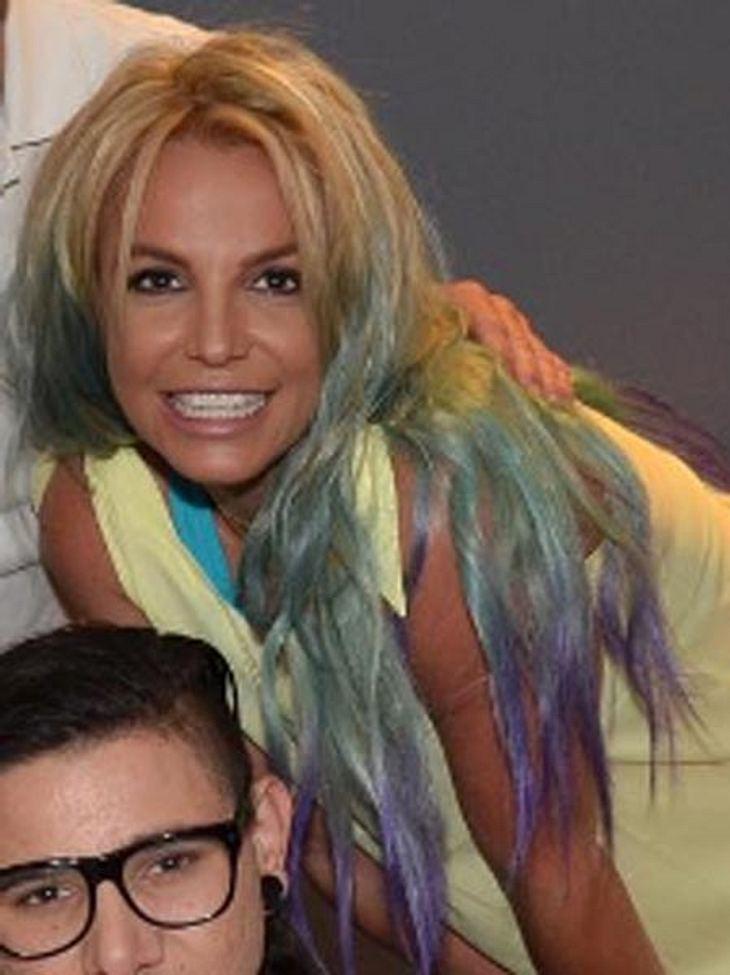 Britney Spears hat jetzt Regenbogen-Haare