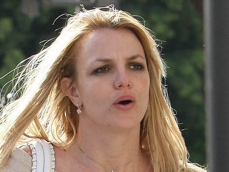 Stars ungeschminkt Britney Spears wechselt ständig zwischen Glamour und Trash - ohne Make-Up und gewaschene Haare kann eben auch eine Britney Spears nicht punkten.