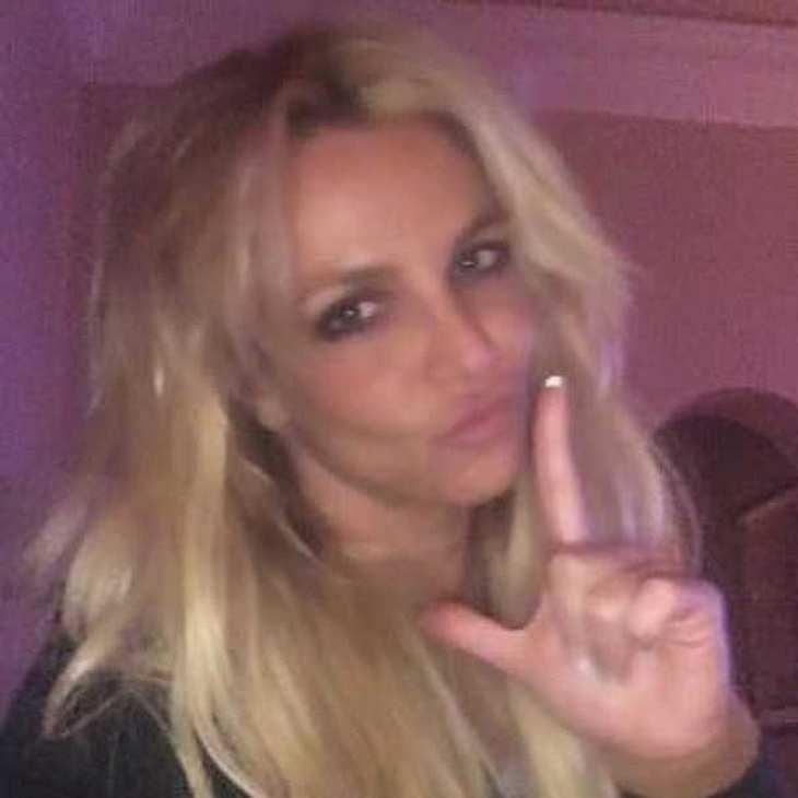 Britney Spears ist in mega heißen Fitnesstrainer verliebt!
