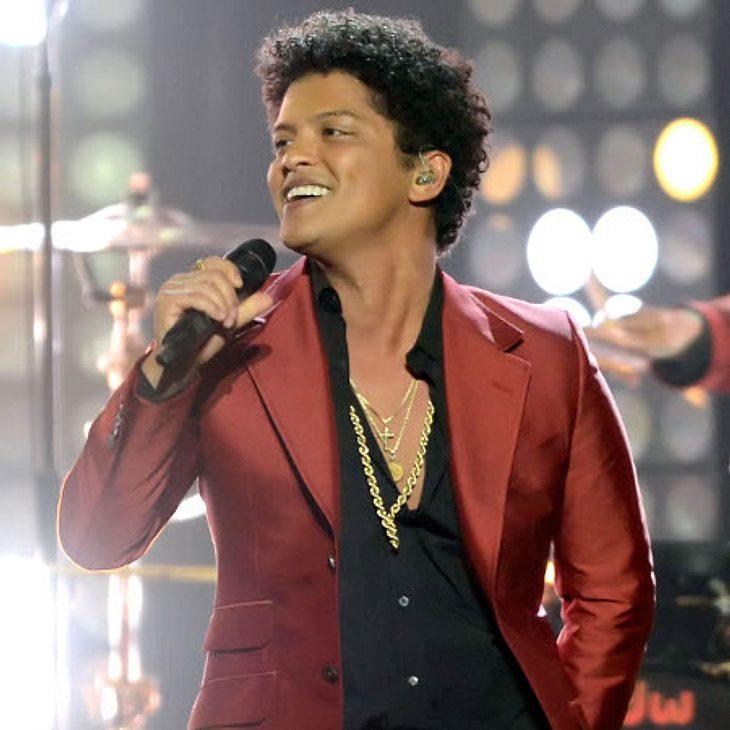 Bruno Mars: Seine Mama schwebt in Lebensgefahr!