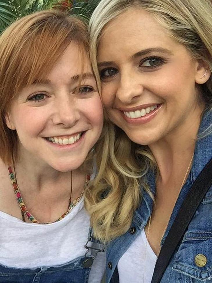 """Die """"Buffy""""-Stars Sarah Michelle Gellar und Alyson Hannigan feiern Wiedersehen"""