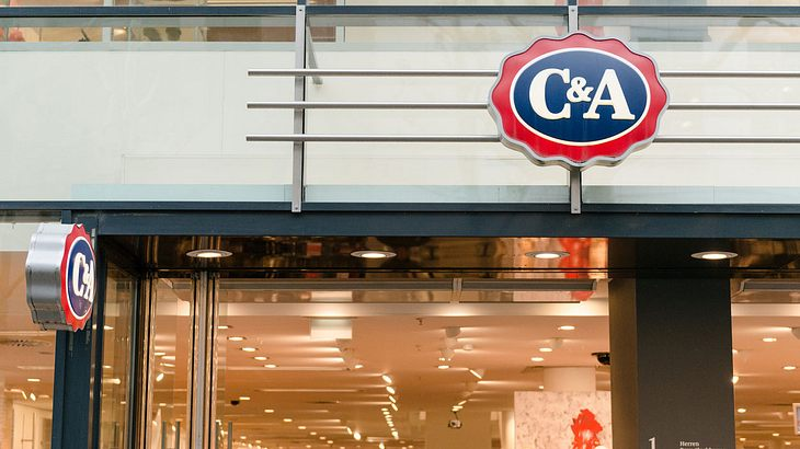 Unfassbar: C&A verkauft Kinder-Pulli im Neonazi-Look