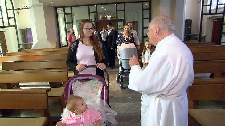 Calantha und Cataleya Wollny bei ihrer Taufe