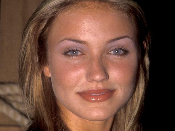 Cameron Diaz: Ihre Beauty-LügeIn jungen Jahren, wie hier 1994, hatte sie noch ihr jugendliches Aussehen. Doch der berufliche Erfolg ließ noch auf sich warten.
