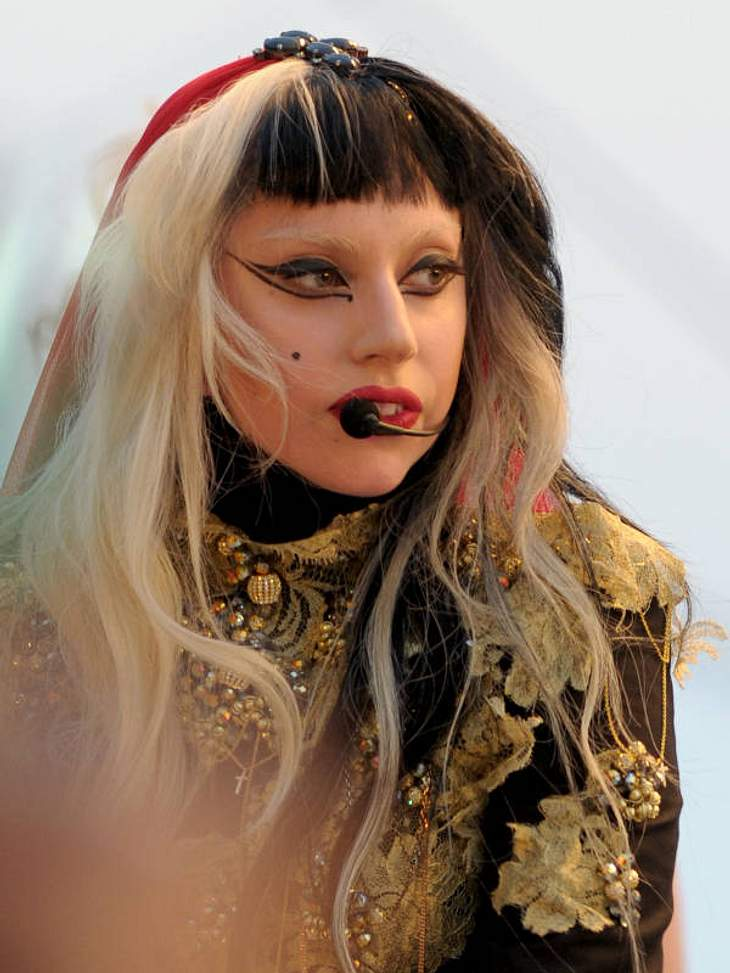 Cannes Auch Lady Gaga hatte in Cannes einen grandiosen Auftritt - ihre Fans waren begeistert - auch vom neuen Look.