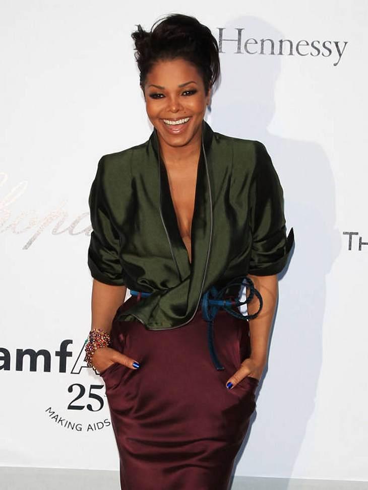 """Stars im Gewichts-Chaos: Quälerei für die FilmrolleNiemand kann so schnell ab und zu nehmen wie Janet Jackson (45). Aber die Rolle im Film """"Tennessee"""" lehnte sie trotzdem ab. Dafür sollte sie 30 Kilo zunehmen."""