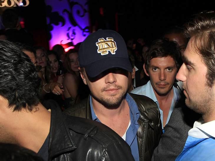 CannesLeonardo DiCaprio schlich dagegen abends eher deprimiert durch die Clubs von Cannes.