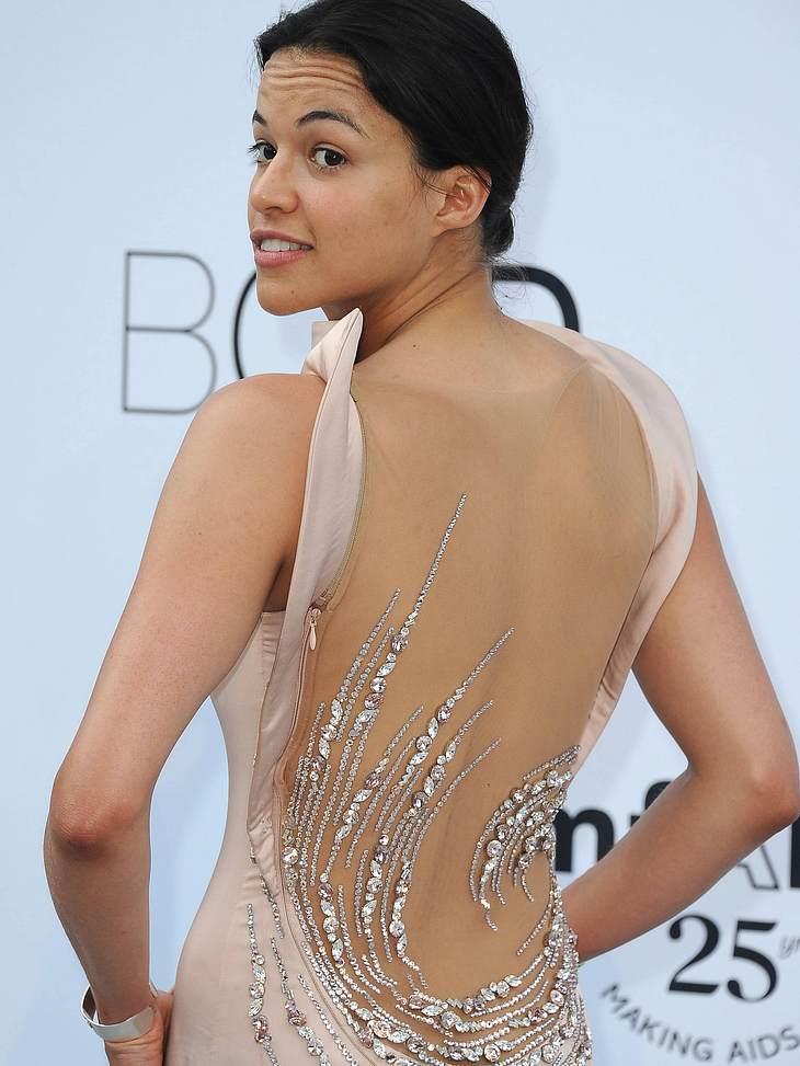 CannesMichelle Rodriguez zeigt ihre Kehrseite.