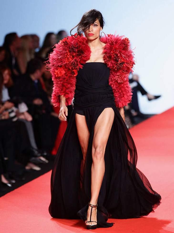 CannesAuch Schauspielerin  Rosario Dawson wollte mit ihrem Walk Gutes tun.