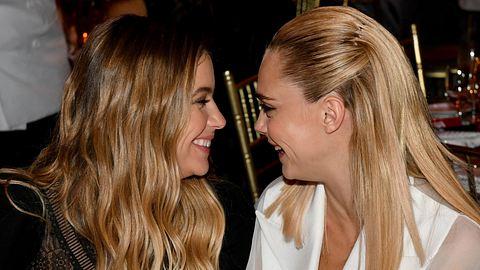 Cara Delevingne und Ashley Benson - Foto: Getty Images