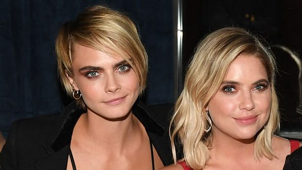 Cara Delevingne und Ashley Benson - Foto: Getty Images