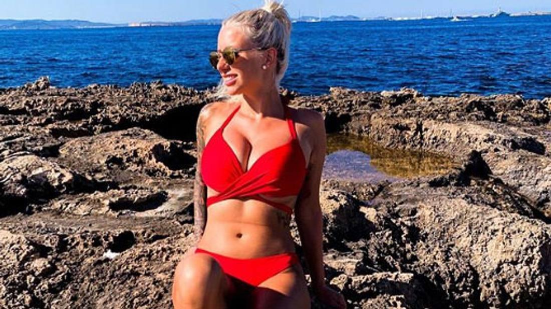 Carina Spack im Bikini