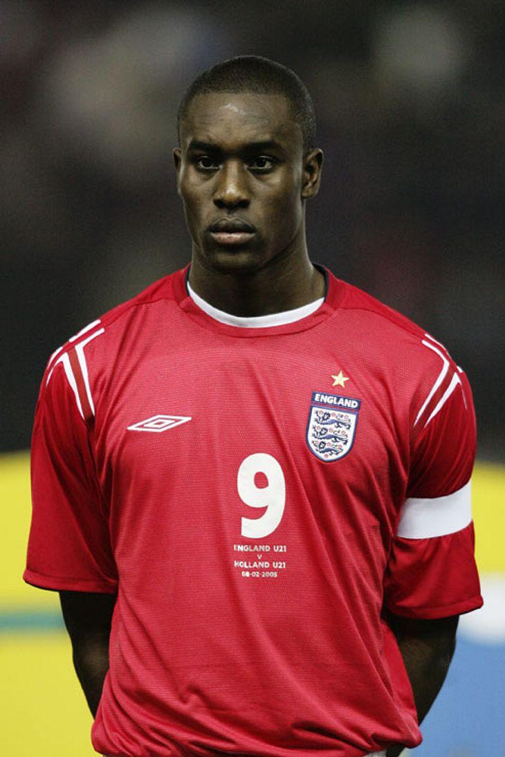 """England: Carlton Cole wurde am 12. November 1983 in Croydo geboren. Er hat die britische Staatsbürgerschaft. Sein Name ist """"Carlton Michael Cole Okirie"""". Sein Marktwert beträgt 9.000.000 Euro."""