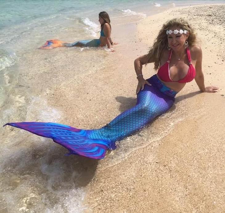 Sexy! Carmen Geiss planscht als Meerjungfrau
