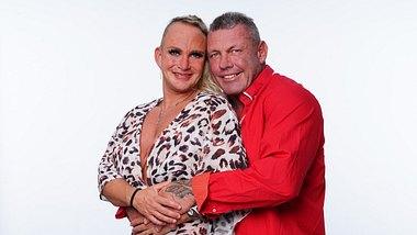Caro und Andreas Robens feiern eine zweite Hochzeit - Foto: TVNOW / Stefan Gregorowius