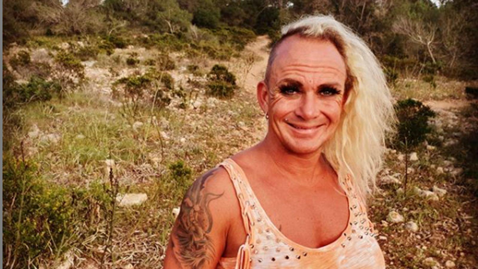Caro Robens nackt: Die Bodybuilderin lässt die Hüllen