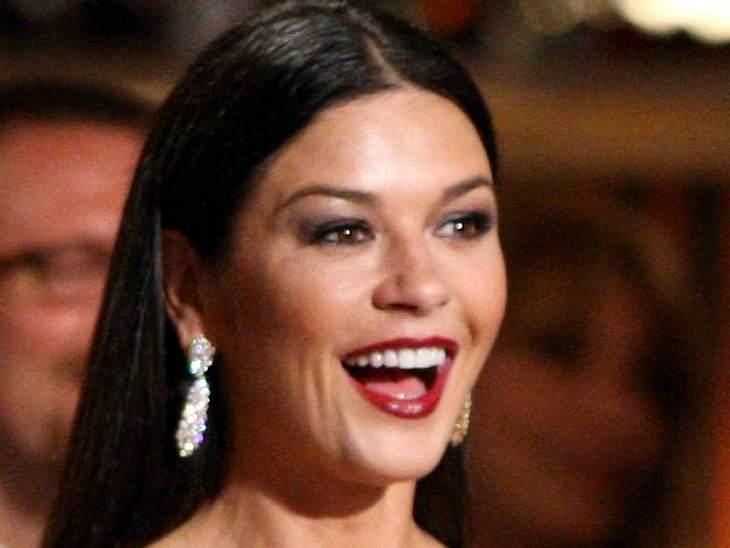 undefined Hauptsache schön: Die verrückten Beauty-Tipps der Stars