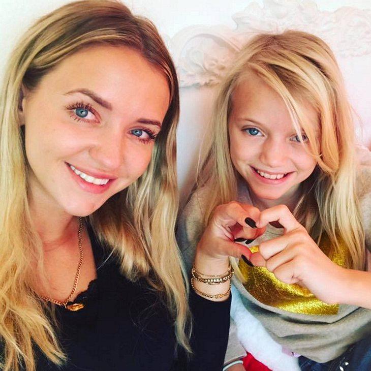 Cathy Lugner und Leonie sind bald auf YouTube unterwegs
