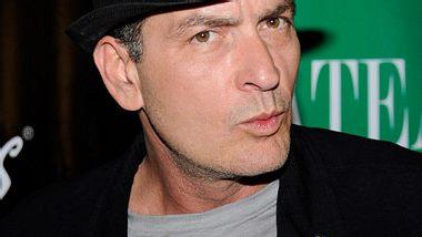 Charlie Sheen soll einen Mann mit dem Tode bedroht haben - Foto: Getty Images
