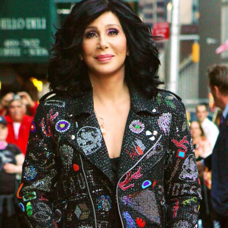 Cher musste ihre Perücken entsorgen