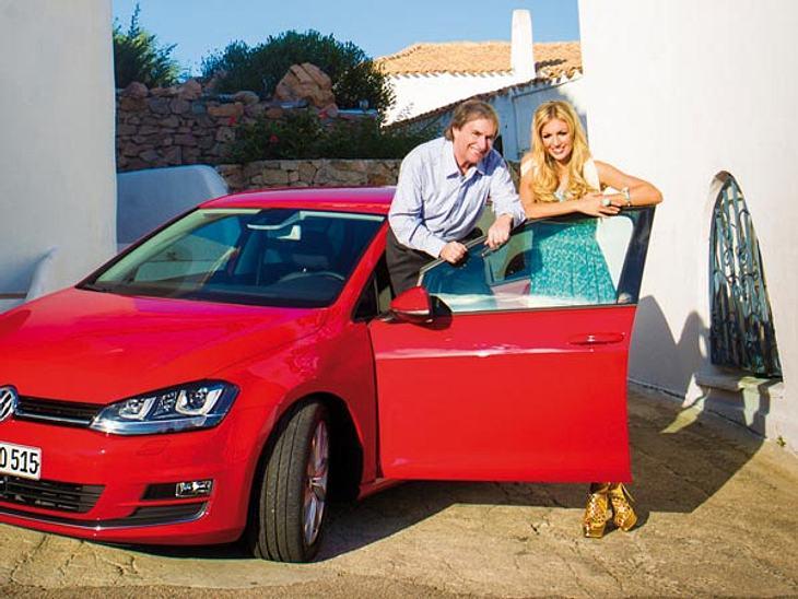 Chris de Burgh und seine Tochter Rosanna Davison bei einem Fotoshooting für den neuen VW-Golf auf Sardinien