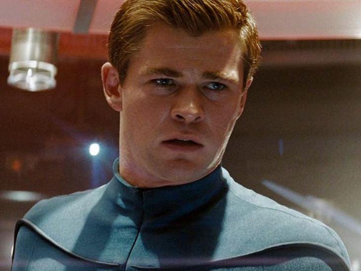 "Chris Hemsworth als Vater von Captain Kirk in ""Star Trek"" (2009)"
