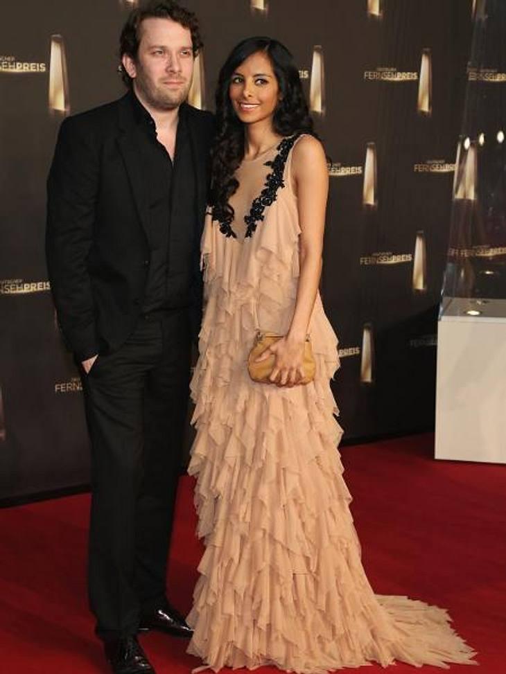 Deutscher Fernsehpreis 2012 - Die HighlightsElegantes Paar: Christian Ulmen (37) kam ganz in Schwarz, seine Ehefrau Collien Ulmen-Fernandes (31) in roséfarbener Volant-Robe.