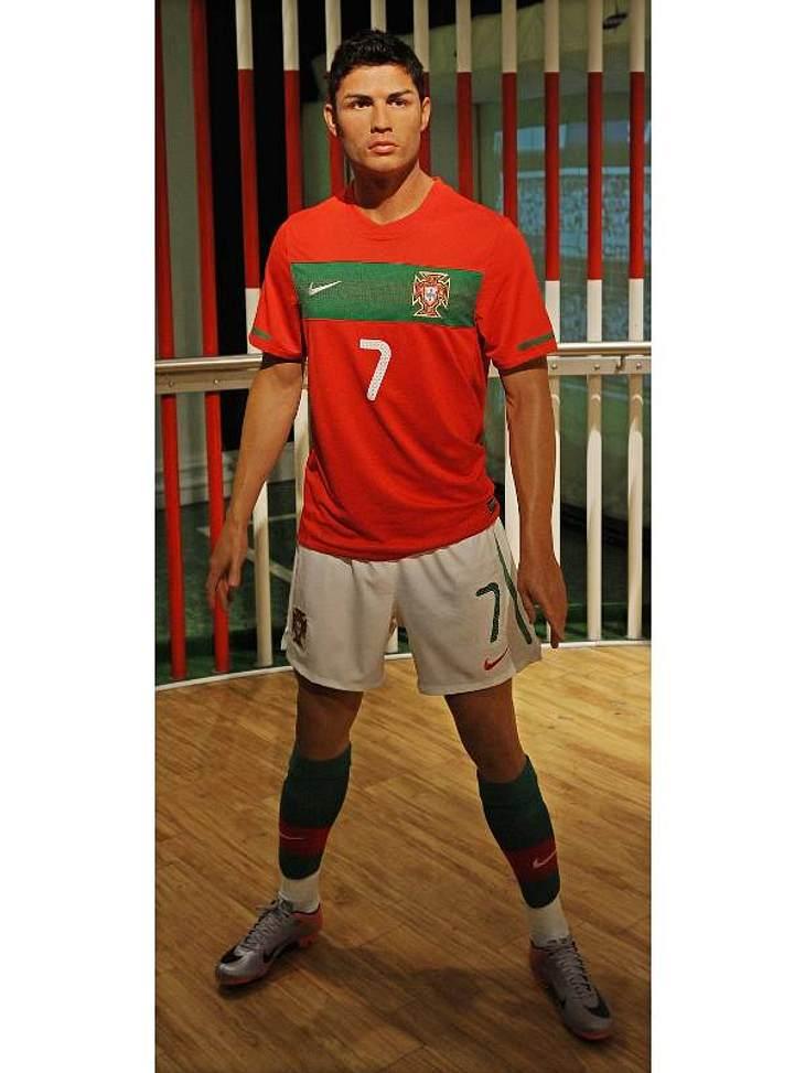 Stars bei Madame Tussauds: Der athletische Körper des portugiesischen Fußballspielers Cristiano Ronaldo in Wachs gegossen.