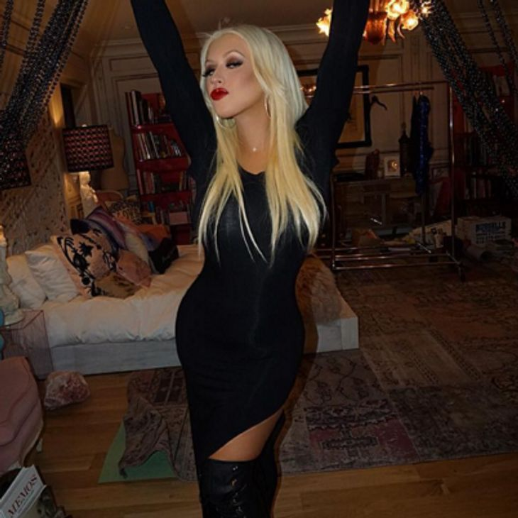 Christina Aguilera zeigt sich rank und schlank
