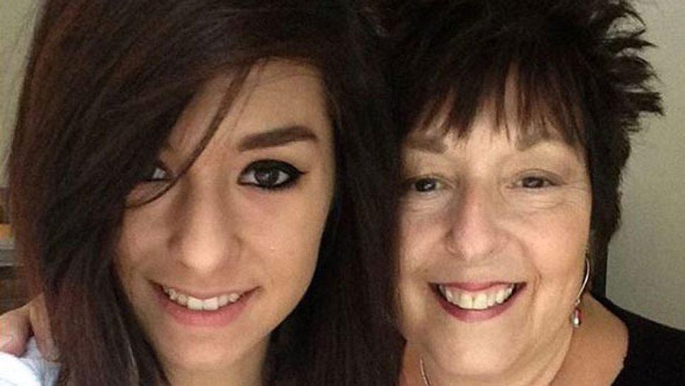 Christina Grimmie und ihre Mutter Tina - Foto: Instagram/ therealgrimmie
