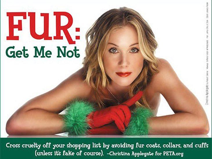 """Sexy Tierschutz: Stars für """"Peta""""Kurz vor Weihnachten 2007 ließ auch Christina Applegate die Hüllen fallen und posierte als sexy Weihnachtself für """"Peta"""". Ihr spezielles Anliegen: Allen Weihnachtseinkäufern zu vermitteln"""