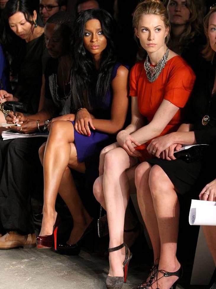 undefined We love Christian Louboutin: Die Stars stehen total auf die Schuhe mit den roten Sohlen