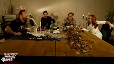 Ekel-Dinner bei Circus HalliGalli - Foto: Screenshot, Pro 7
