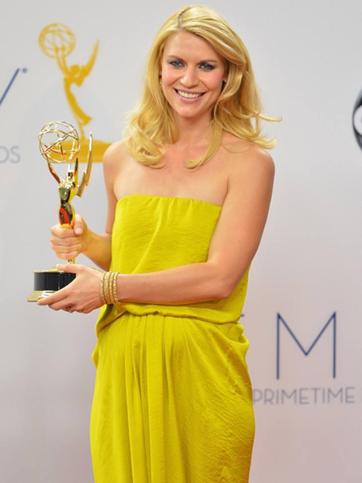 """Die Emmy Awards 2012 - Die HighlightsDie schwangere Claire Danes  (33) strahlte mit ihrem Emmy um die Wette. Sie erhielt den Preis als """"Beste Haupdarstellerin in einer Drama-Serie"""" für ihre Rolle in """"Homeland"""". Ihr Dank"""