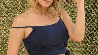 """Claudelle Deckert: So sexy ist die """"Playboy""""-Beauty im Bikini!Das Posen hat die Schauspielerin einfach drauf... - Foto: RTL / Stefan Menne"""