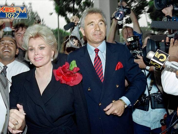 Prominente Paare mit großem AltersunterschiedKann das wirklich Liebe sein? - Ja. Frédéric von Anhalt (68) neigt zur Übertreibung; protzige Villa, dicke Karre, große Klappe. Mit seiner Frau, Hollywood-Diva Zsa Zsa Gabor (94) feierte er am 14