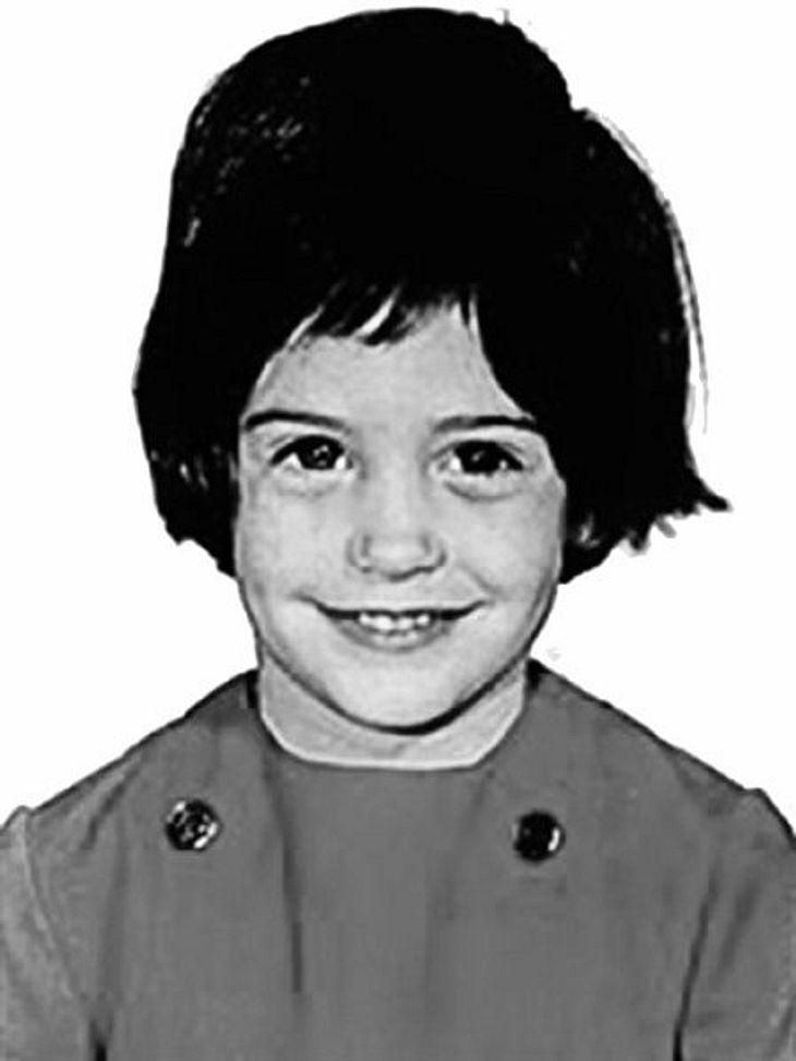 Die Kinderfotos der StarsWer auch immer diesem Hollywood-Star die Haare gemacht hat, gehört eingesperrt. Zum Glück kann sie sich heute einen exklusiven Friseur leisten.