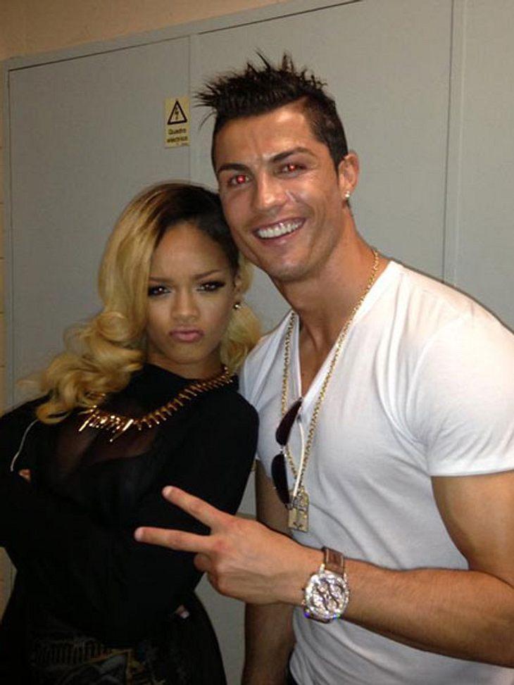 Rihanna und Cristiano Ronaldo Backstage in Lissabon.