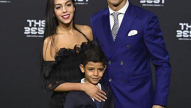 Cristiano Ronaldo zeigt erstmals seine Freundin Georgina Rodriguez