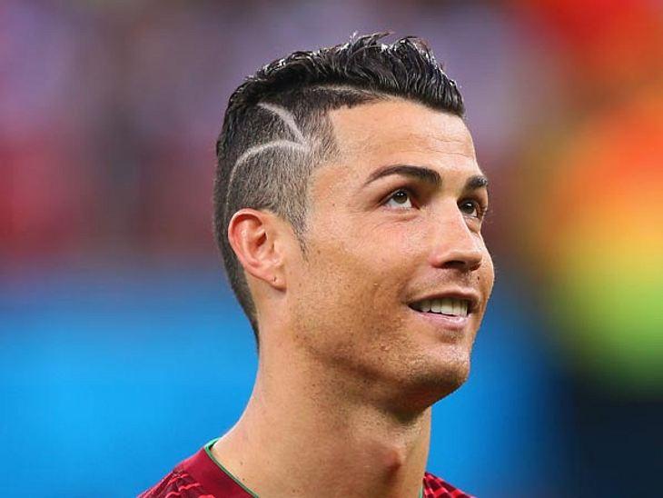 Diese Dramatische Story Steckt Hinter Ronaldos Neuer Frisur Intouch