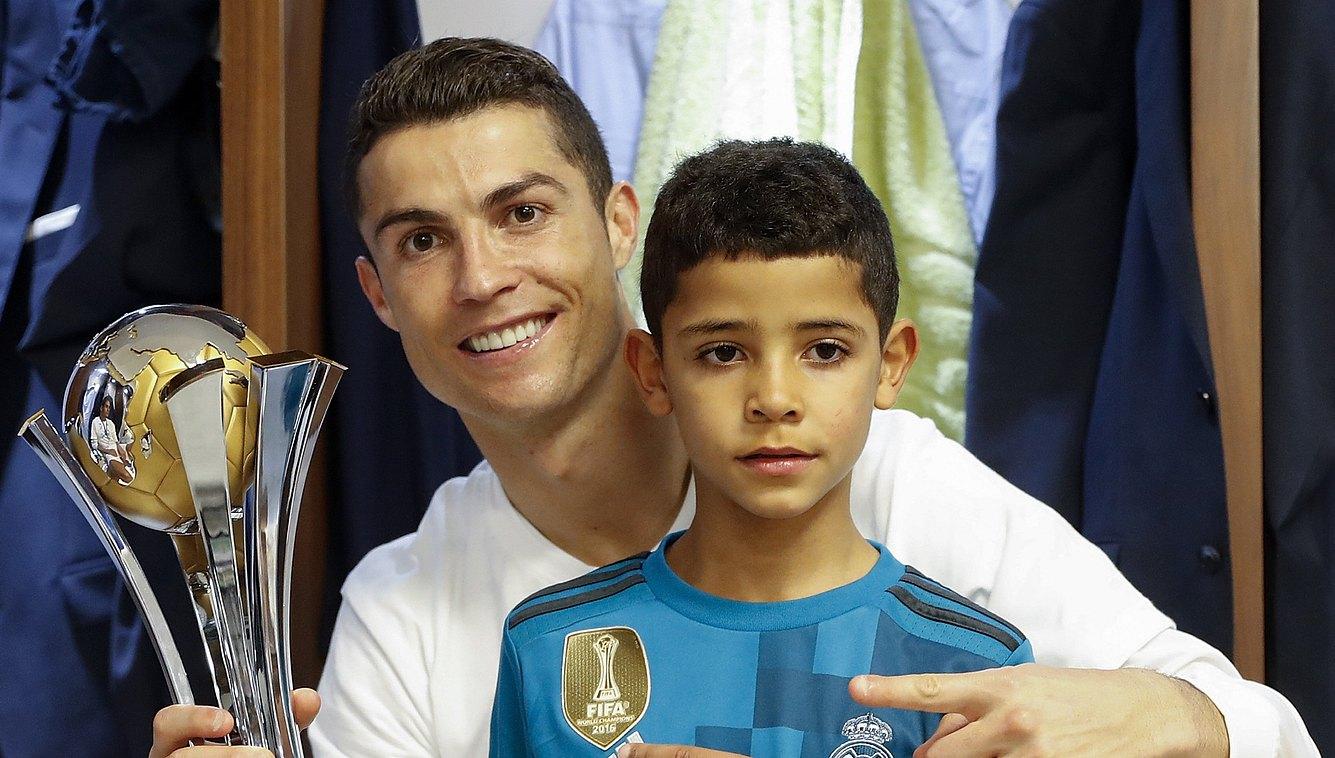 Ronaldo Freundin Sohn