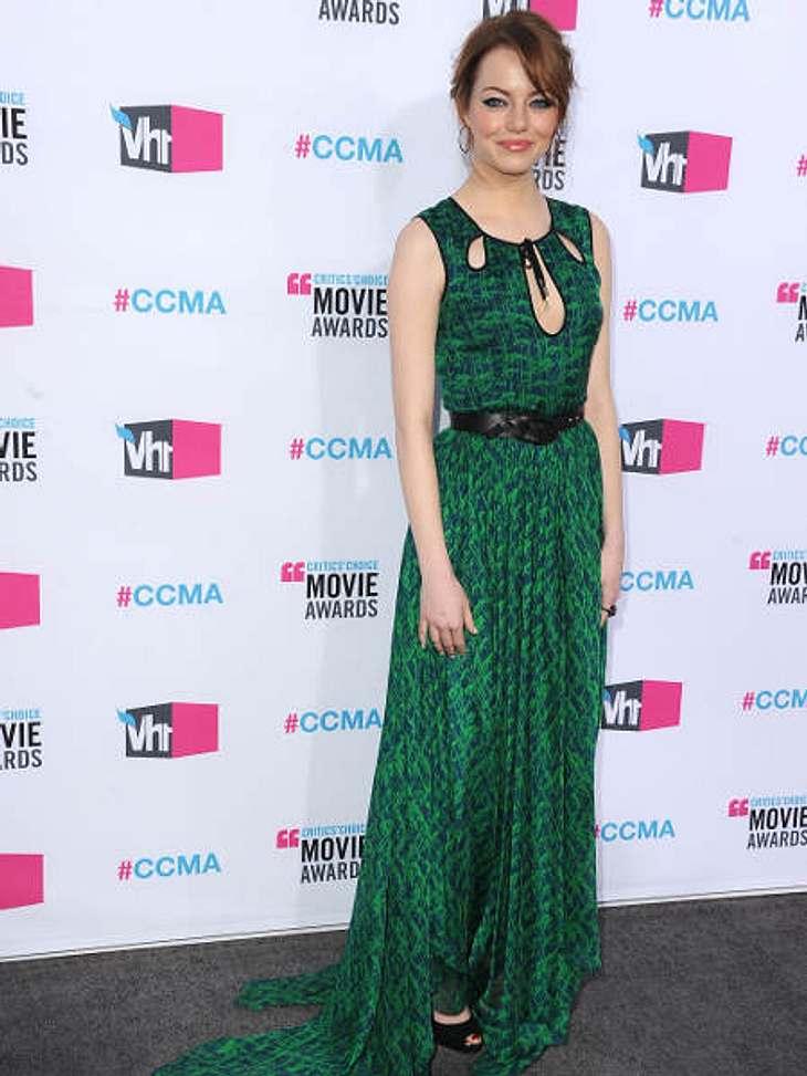 """""""Critic's Choice Awards"""" 2012 - Die schönsten Kleider,Emma Stone (23) mit ihren roten Haaren und dem dazu im krassen Gegensatz stehenden grünen Kleid. Das Kleid ist von Jason Wu und hat interessante Cut-outs am Dekolleté."""