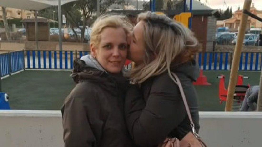Daniela Büchner wird von ihrer Schwester unterstützt