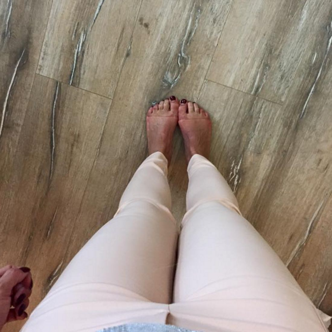 Daniela Katzenberger tun die Füße weh
