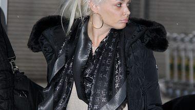 Daniela Katzenberger ist viel unterwegs - Foto: WENN.com