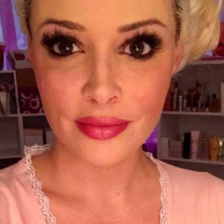 Daniela Katzenberger: Mutiges Oben ohne-Selfie auf Facebook!